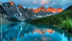 Foto: Der Moraine Lake im Banff Nationalpark; Copyright: panthermedia.net/JamesWheeler