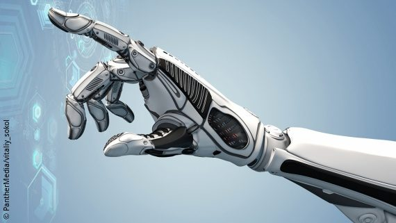 Foto: Eine bionische Hand bedient holografische Elemente; Copyright: PantherMedia/vitaliy_sokol