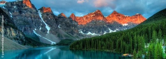 Foto: Moraine Lake im Banff Nationalpark; Copyright: panthermedia.net/JamesWheeler