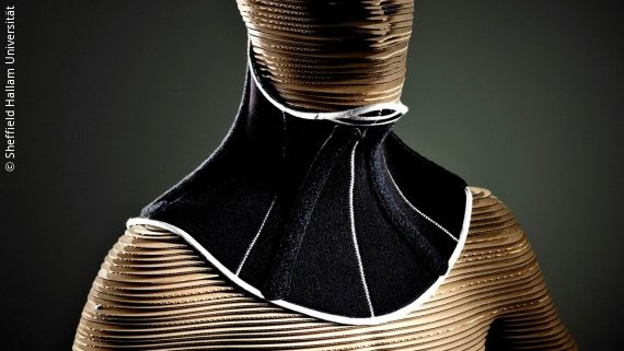 Photo: a black head support system on a mannequin; Copyright: Sheffield Hallam Universität
