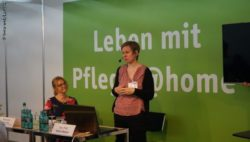 "Foto: Referentin im Forum ""Pflege@home""; Copyright: beta-web/Lormis"