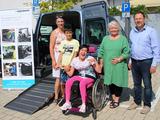 Kronau hilft! e.V. übergibt behindertengerechtes Fahrzeug