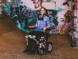 Aufricht-Rollstuhl